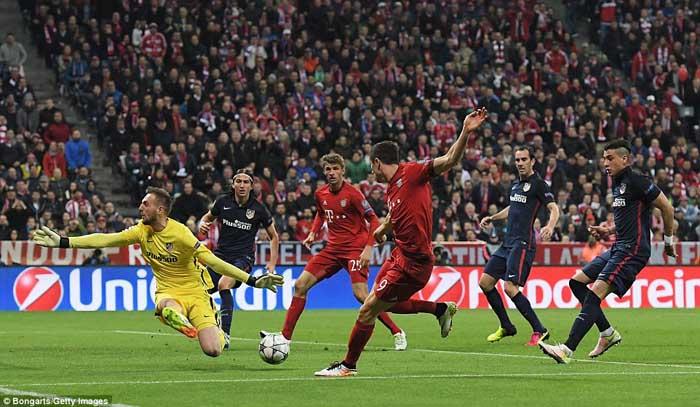 Bayerns Robert Lewandowski Score